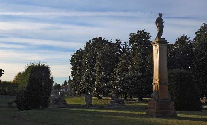 castello di belgioioso obelisco parco